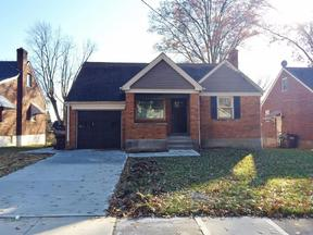 Property for sale at 3835 South Broadlawn Circle, Silverton,  OH 45236